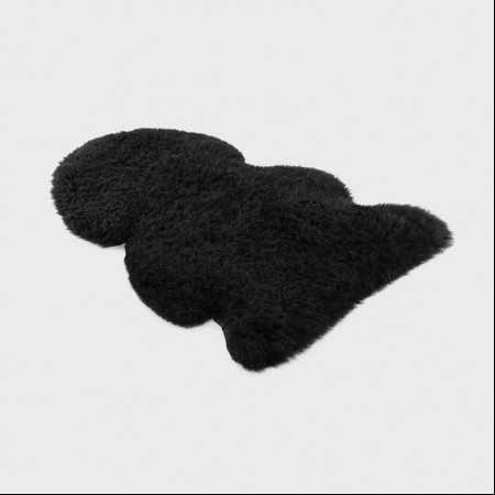 Ugg Long Black Jumbo Rug